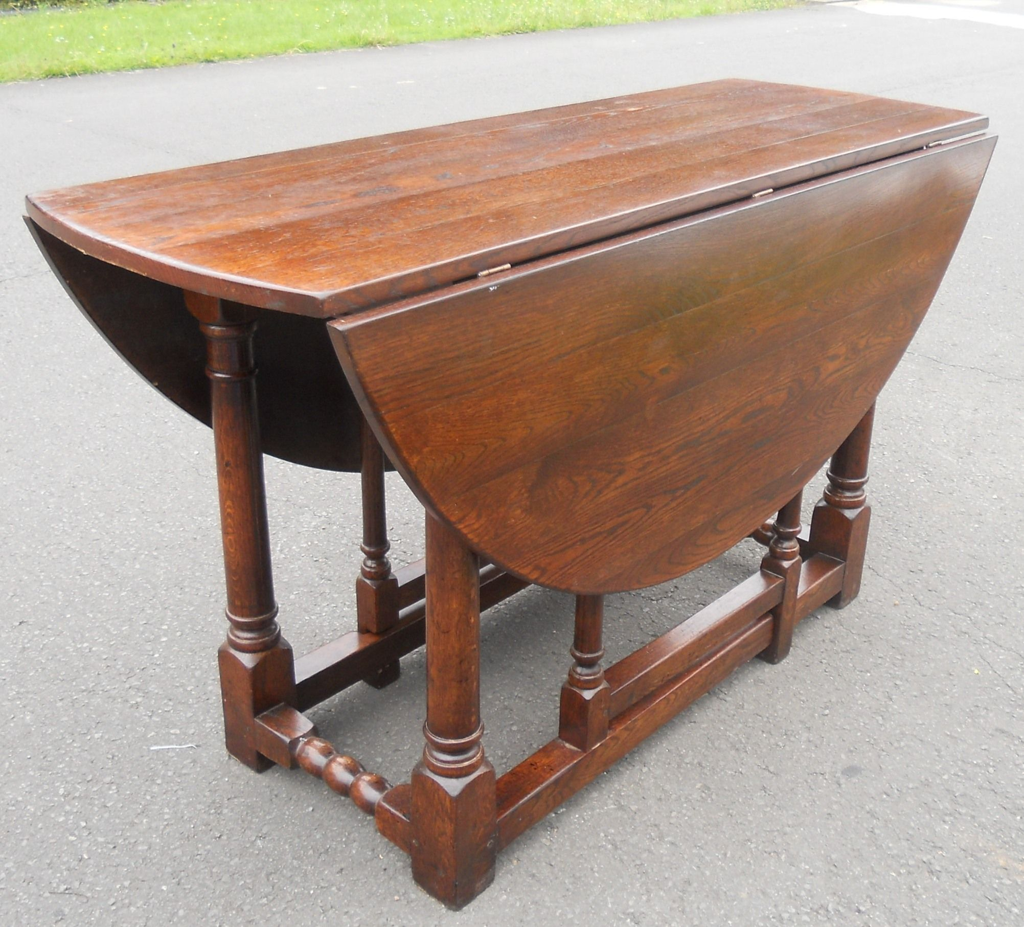 SOLD Large Oval Oak Gateleg Dining Table to Seat Six People : sold large oval oak gateleg dining table to seat six people 3 4783 p from www.harrisonantiquefurniture.co.uk size 2003 x 1813 jpeg 423kB